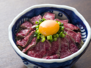 ご飯とお肉の相性が抜群「オリジナルなかなか丼」