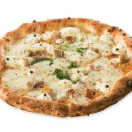 ナポリのペペネーロの看板メニュー。 ペペネーロ(黒胡椒)がきいたパンチのあるピッツァ。