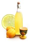 レモンの香りが爽やかなナポリ定番のリキュール。 ストレートで食後酒も良し、ソーダ割りでピッツァに合わせてGood!  ストレート 500円 ソーダ 600円
