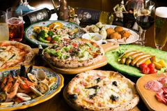 """焼き立て""""真のナポリピッツァ""""が存分に味わえる!パドリーノ自慢の料理が満載!"""