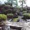 四季の移り変わりが楽しめる、樹木や石を配置した日本庭園