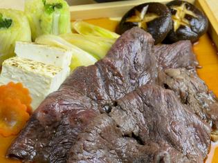 一番美味しい状態でご提供『牛板皿(すきやき仕立て)』