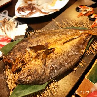 函館海鮮居酒屋 魚まさ 五稜郭総本店の料理・店内の画像1