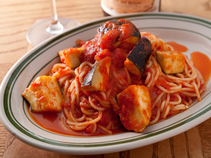 自家製ソースが決め手『茄子とリコッタチーズのトマトソース』