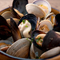 魚介の美味しさが詰まった『色んな貝の漁師風ワイン蒸し』