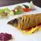 本格フレンチがお得に楽しめ、メインは魚料理か肉料理が選べます。