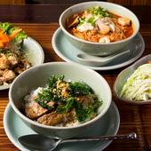 定番料理から地方料理、さらには裏メニューも豊富