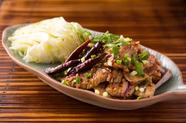 タイのポピュラーなミートサラダ『ナム・トック(豚)』