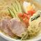 コシの強い麺が自慢の『盛岡冷麺』は、鍋のあとにピッタリ