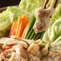 冬牛蒡の日高四元豚巻き揚げ等、全9品の定番の接待可能コースです。