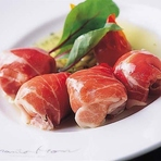 生ハムと完熟トマトの、不思議な饗宴