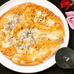 ゴルゴンゾーラとハチミツのピザ