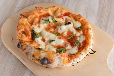 最後まで手が止まらなくなる美味しさ『マルゲリータピッツァ』