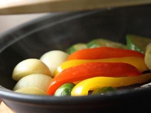 季節野菜のタジン鍋焼き ~バーニャカウダソース~