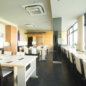 那珂川と中洲のムードある夜景が一望できる特等席、カウンター