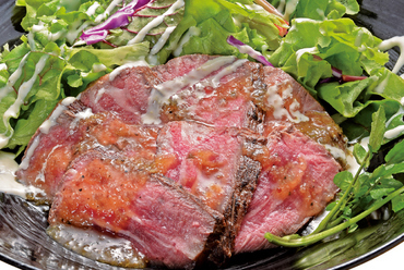 大麦牛ステーキ丼セット