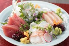 相模湾の朝採れ鮮魚や、藤沢産の旬野菜!  〆にはとうたく自慢の季節の土鍋炊き込みご飯(^^)