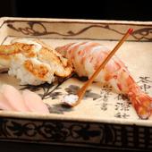 〆はご主人自慢のお寿司で!『穴子と海老の握り』