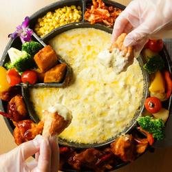 韓国で最近話題のチョアチキンをコースで! のび~るチーズをチキンなどの食材と絡めてどうぞ♪