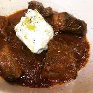 牛タンの煮込みとブッラータチーズ