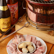 お肉好きの主役の方を喜ばすには、記念日やお祝いごと等気軽に相談してみてください。スタッフが協力してくれるはず。お祝い事にはまず【炭火焼ホルモンまんてん】へ!