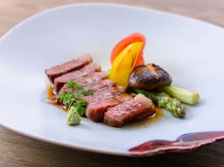 お肉本来の旨みを活かして焼き上げた『平取牛ステーキ』
