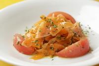自家製シェリービネガーソースが決め手の『赤のサラダ』