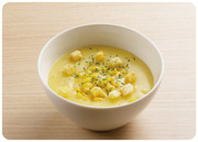 濃厚なクリームソースに明太子とチーズをトッピング。くずしてリゾット風に。