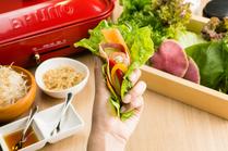 野菜に包んで食べる