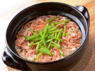 季節の香りと味わいと堪能できる『炊き込みご飯』