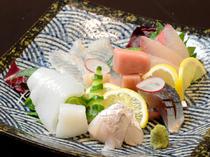 その日一番の魚介でつくる『刺身盛り』