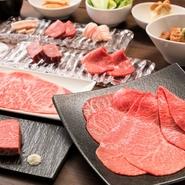 【焼肉うしごろ】と同様、国産A5黒毛和牛の中でも最高級とされるお肉のみを取り扱うこだわり。 食材の仕入れは徹底的に厳選し、妥協のない味づくりをしています。 美味しいお肉をたっぷりとお召し上がりください。