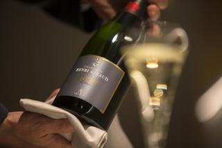 厳選ワインを驚愕のコストパフォーマンスで