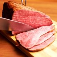 塊肉で肉祭り 肉好き集まれ~ご予約限定でローストビーフを塊肉のままご提供します! 事前のご予約が必要です。70円/10g 500g~、160円/10g 500g~