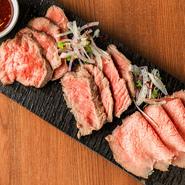 牛の品種、部位、製法の違う3種類のローストビーフを食べ比べする事ができます。もちろん、気に入ったローストビーフは単品でもご注文頂けます。数量限定