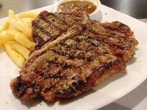 【骨付き肉の王様】Tボーンステーキ