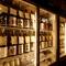 全国の酒蔵を巡り、食事に合わせて厳選した豊富な地酒