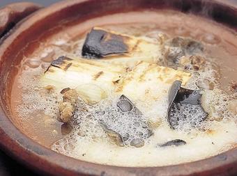 極上の活ふぐと冬の京野菜をを使用した懐石料理です。