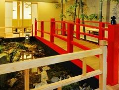 鰹の塩タタキや土鍋ご飯を始め、鮮魚や旬菜を楽しめる5000円のコースです。