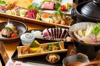 季節の山海の幸を使ったお料理を、会席コースとしてご提供させて頂いております。寛ぎながら、ゆったりとお楽しみください。