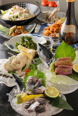旬の食材を使ったボリューム満点のお料理8品付きの、2時間飲み放題付きのご宴会コース