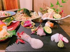季節のお料理 & 2時間飲放題付の人気のご宴会コースは、お一人様5000円!!3名様~前日まで要予約。