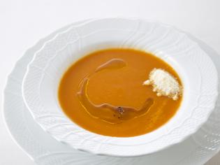 日本の水と季節の食材をつかったスープ