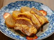 じっくりと沁み込ませた味! 柔らかく食べやすい『豚角煮』