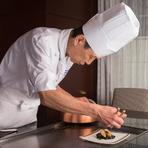 職人のポリシーよりも、ゲストが第一。ひとりひとりに向けて調理