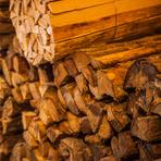 薪窯も生地の香ばしさに欠かせない要素