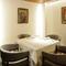 プライベートな時間を過ごせる個室は、予約必須の人気席です