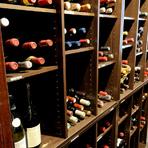 500種を超えるワインが世界各国から集結、ワインコースでどうぞ