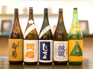 和菓子とのマリアージュを緻密に考え、日本酒を提案しています