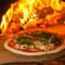 イタリアの石窯で焼く、本場仕込みのナポリピッツァ
